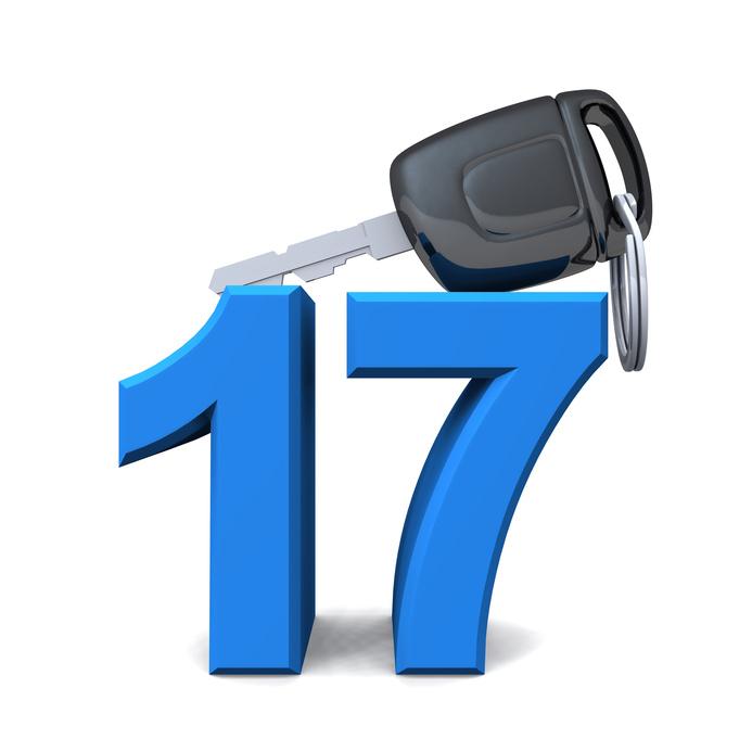 ab 17 zum Führerschein anmelden
